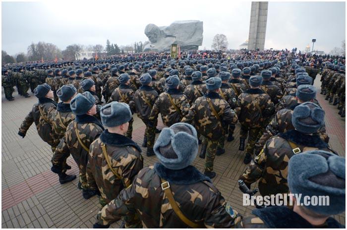 Неменее 9 тыс. новобранцев примут военную присягу 16декабря