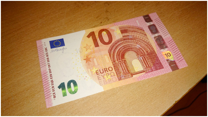 Купюра в 10 евро
