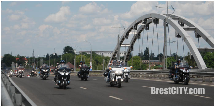 Мотопарад байкеров по Бресту 28 мая 2016. Берестейский мост. Фото BrestCITY.com
