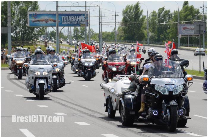 Мотопарад байкеров по Бресту 28 мая 2016. Мост по ул.28 Июля. Фото BrestCITY.com