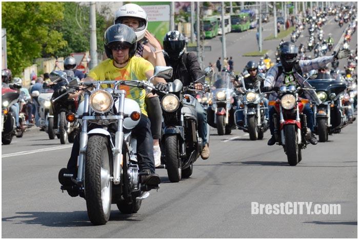 Мотопарад байкеров по Бресту 28 мая 2016. Кобринский мост. Фото BrestCITY.com