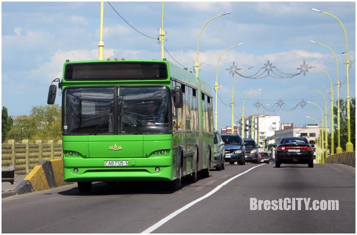 Автобус №18 и №9 в Бресте. Зеленый. Фото BrestCITY.com