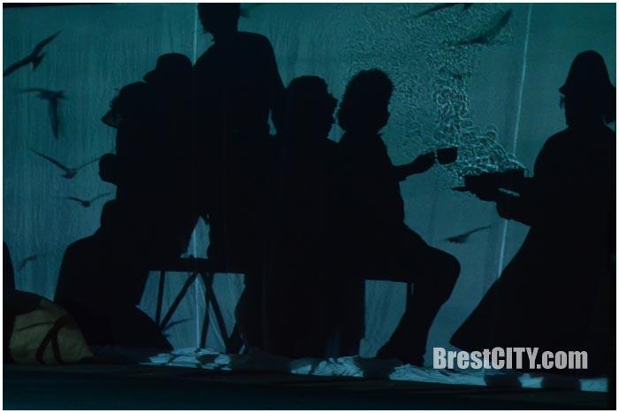 Уличный спектакль Чайка. Белая вежа 2016. Фото BrestCITY.com