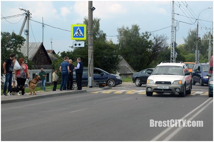 Авария на перекрестке 28 Июля и Центральной  в Бресте 14 августа 2016. Фото BrestCITY.com