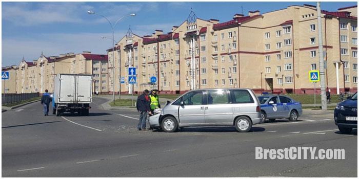 Авария на кольце на Вульке в Бресте 27 апреля 2016