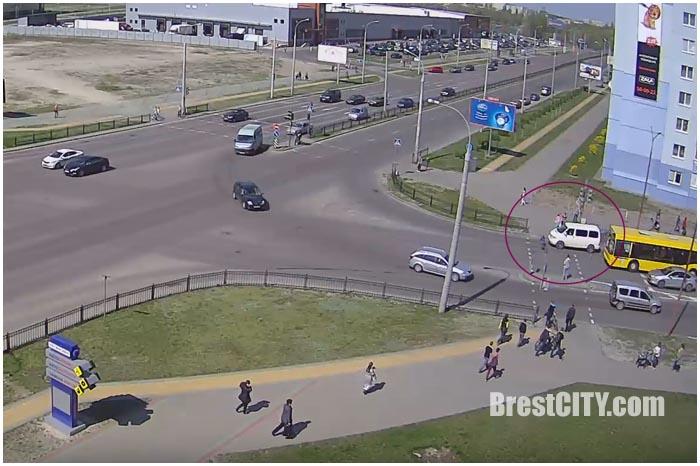 Авария на улице Колесника в Бресте 17 апреля 2016. Сбили ребенка на велосипеде