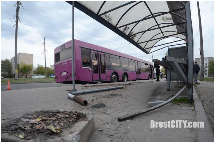 ДТП на Орловской в Бресте 23 апреля 2016. Фото BrestCITY.com