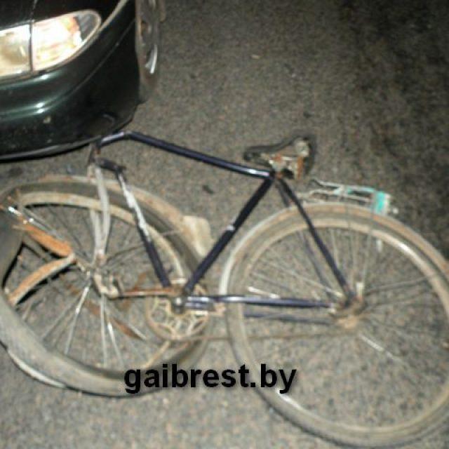 Возле Пружан насмерть сбили мужчину с велосипедом