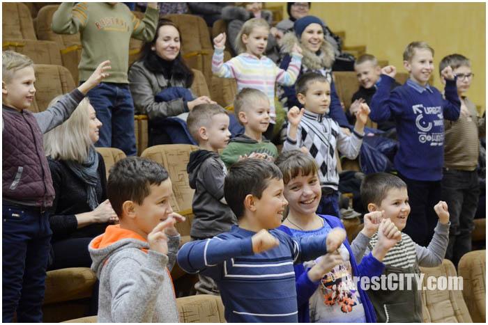 Магия доброты в Бресте. Фото BrestCITY.com