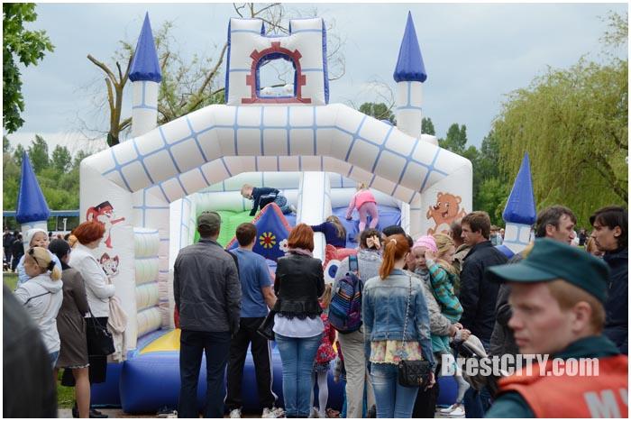 Праздник У причала на Набережной в Бресте 15 мая 2016. Фото BrestCITY.com