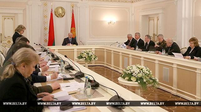 Повышение пенсий в Беларуси. Три варианта