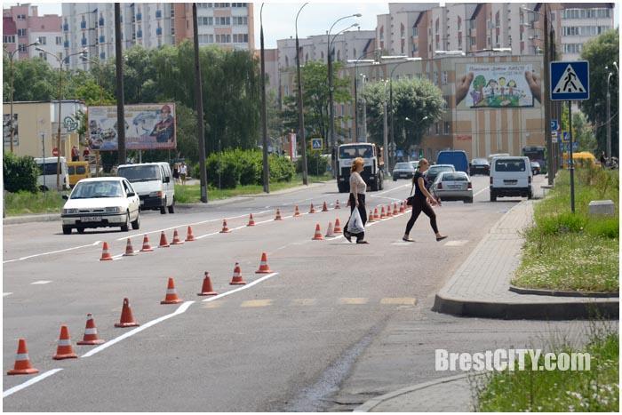 Новая разметка на ул.Волгоградской в Бресте. Фото BrestCITY.com