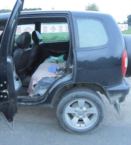 Ребенок выпал из автомобиля на ходу