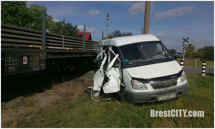 Авария на переезде на ул.Лейтенанта Рябцева в Бресте