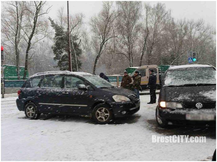 Снегопад в Бресте 14 декабря 2016. Фото BrestCITY.com
