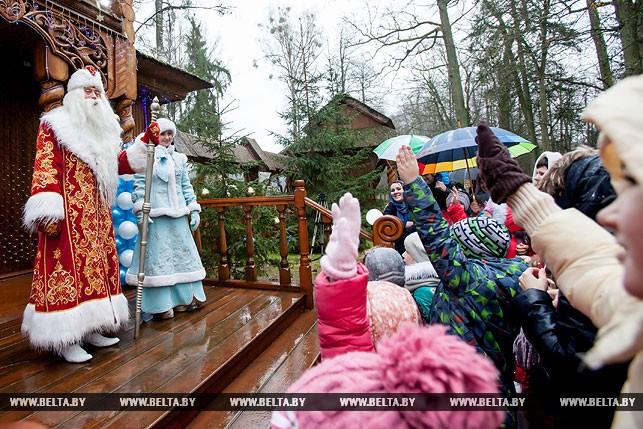 Встреча Снегурочки в Поместье Деда Мороза в пуще