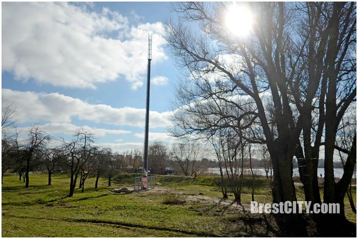 Вышка сотовой связи на Набережной