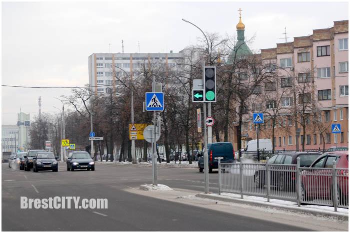 Стрелка для левого поворота на ул.Ленина. Фото BrestCITY.com