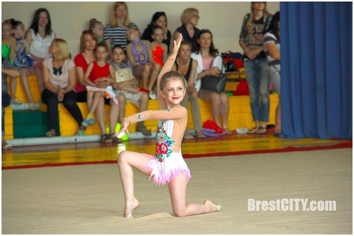 Художественная гимнастика. Лучики солнца