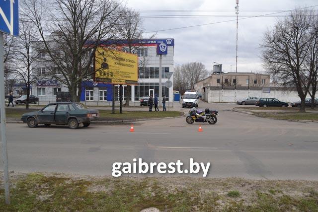 Авария мотоцикла Сузуки и ВАЗа на Я.Купалы в Бресте 16 марта
