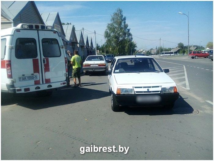 Авария с участием автомобиля ВАЗ в Иваново. Сбил ребенка