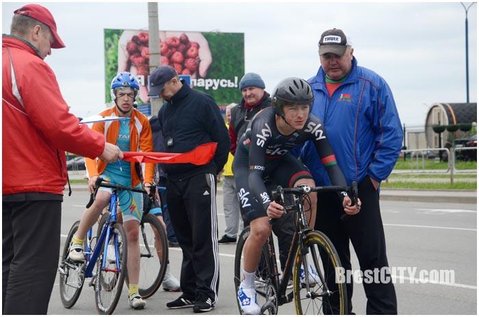 Соревнования по велоспорту в Бресте 14 апреля 2016. Фото BrestCITY.com