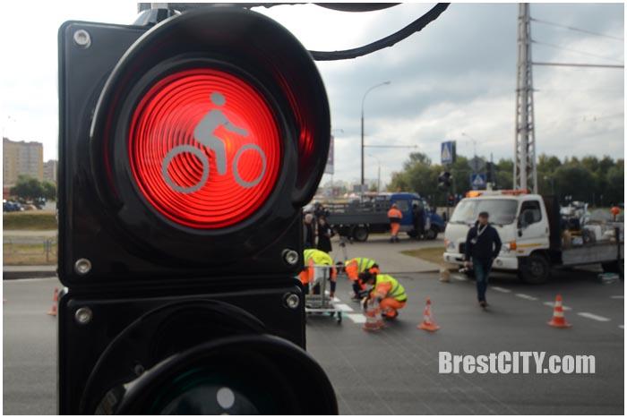 Велосветофор в Бресте возле Гребного канала. Фото BrestCITY.com