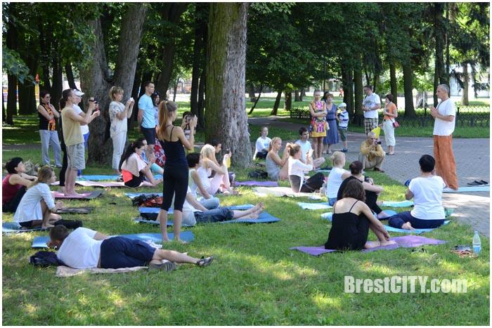 Международный День йоги в Бресте