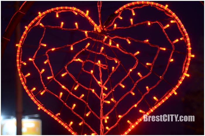 Новые арт-объекты на ул.Советской и Московской в Бресте. Фото BrestCITY.com