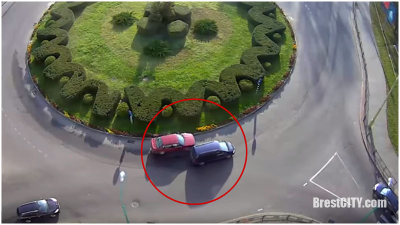 Авария на кольце на бульваре Шевченко в Бресте