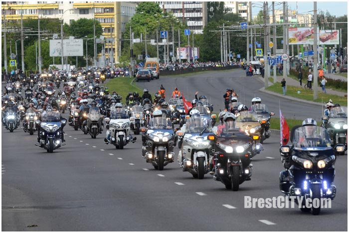 Парад байкеров в Бресте. Мотофестиваль 27 мая 2017. Фото BrestCITY.com