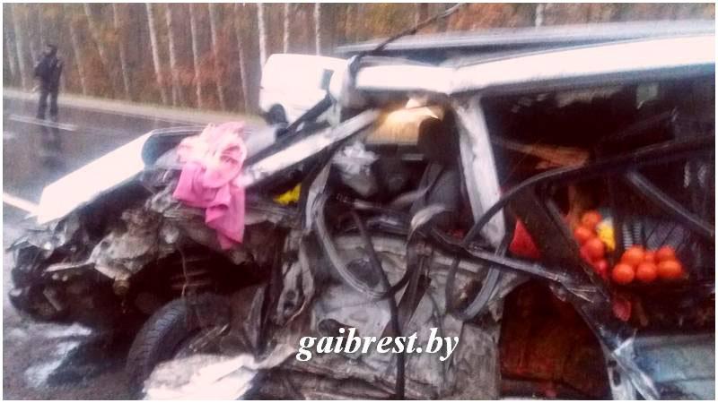 Авария пежо и Зил в Лунинецком районе утром 24.10.2017