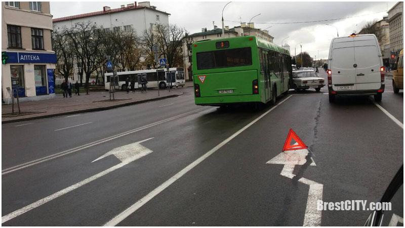 Авария в Бресте на улице Ленина
