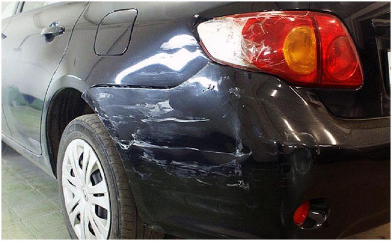 Повредила автомобиль