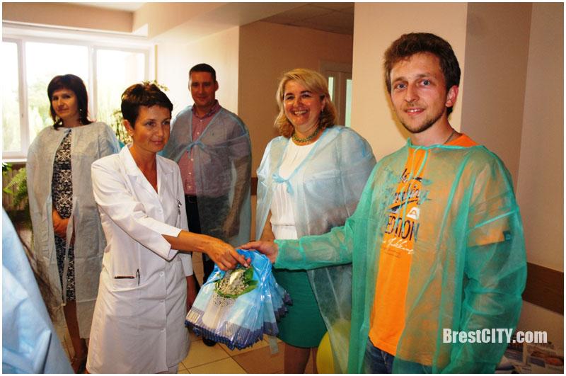 В брестском роддоме поздравили новорожденных