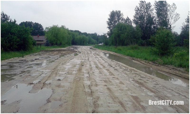 Плохие дороги в частном секторе Старых Задворц в Бресте