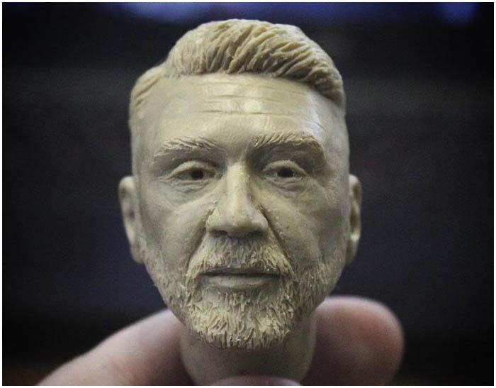 Илья Дударев лепит из пластилина знаменитостей