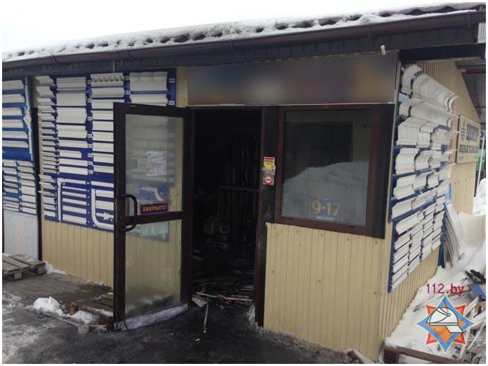 Пожар на стройрынке в Бресте