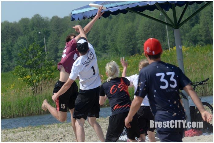 Пляжный турнир по фрисби в Бресте