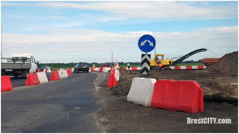 Бульковский мост и Каменецкое кольцо - на ремонте, изменяется движение транспорта