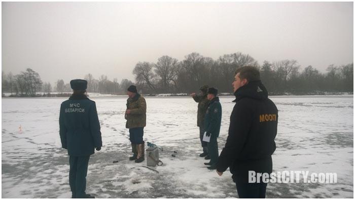 Акция безопасный лед в Бресте
