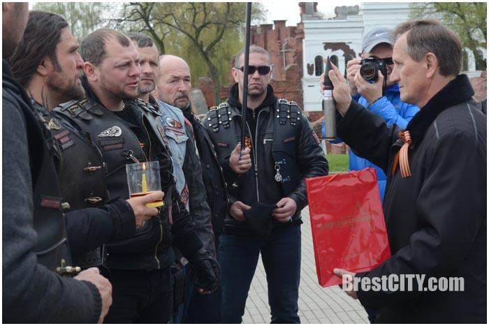 Ночные волки в Брестской крепости 20 апреля 2017. Фото BrestCITY.com
