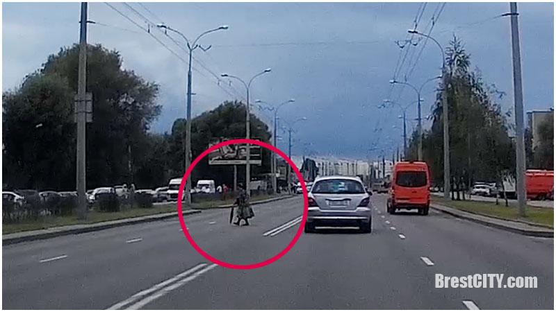 Пешеход. Улица Суворова