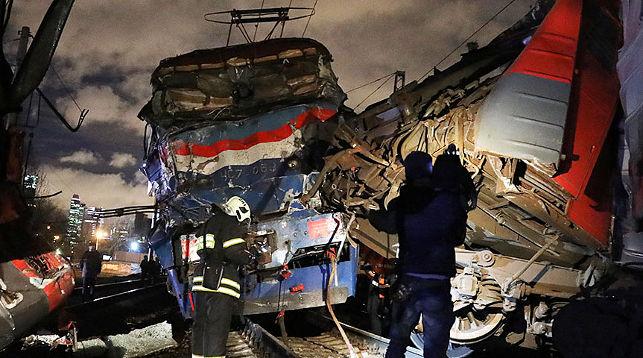 Столкнулся пассажирский поезд Москва-Брест