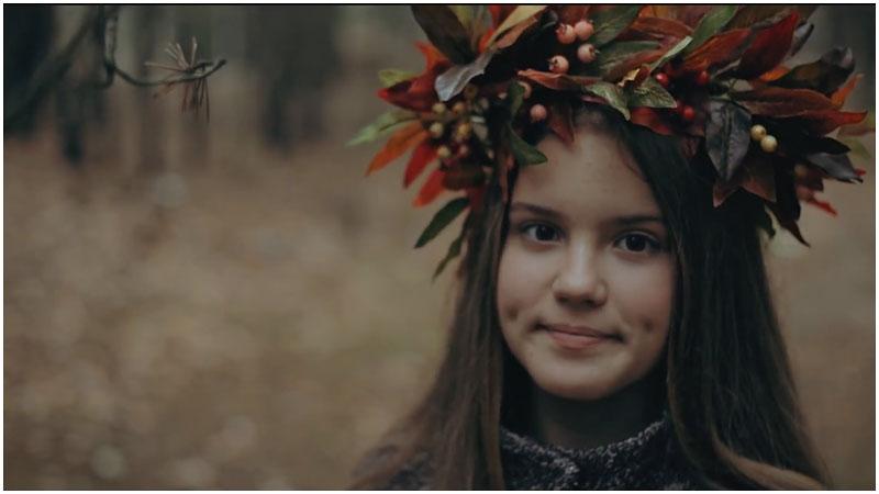 Видео. Брестчанка Юлия Макарук читает стих ''Ручей'' Якуба Коласа
