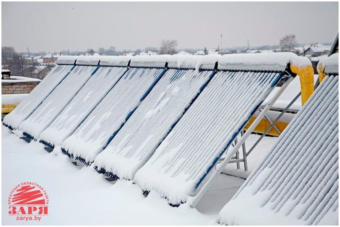 Солнечные батареи на крыше в ясли-садах на Березовке