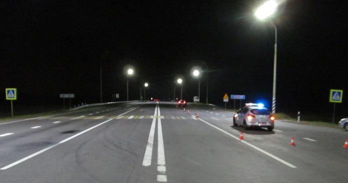 Возле д.Тельмы на трассе М1 насмерть сбили 17-летнего парня