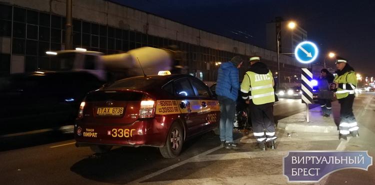 Авария на Пионерской. Такси