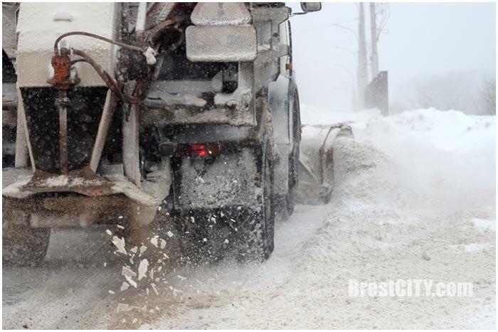 Снегоуборочная техника в Бресте и ГАИ. Фото BrestCITY.com