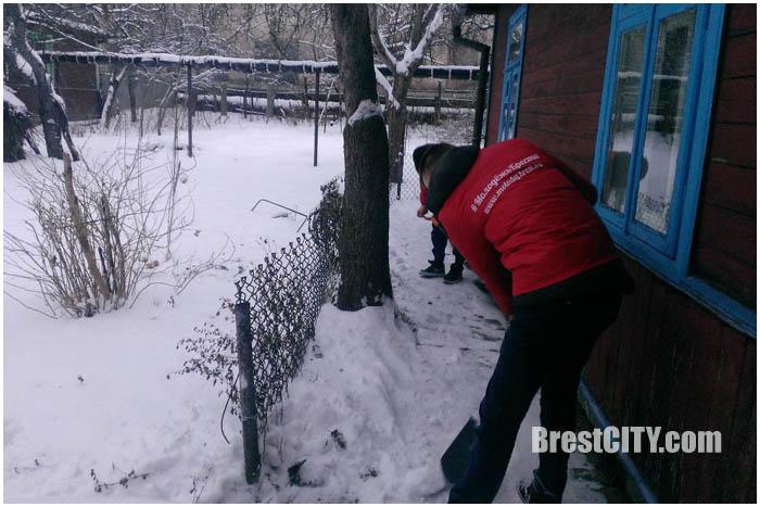 Волонтеры готовы убрать снег